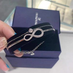 SWAROVSKI INFINITY Layered female bracelet